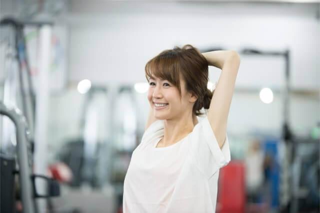 肩甲骨と姿勢は深く繋がっている!肩甲骨から姿勢を整える