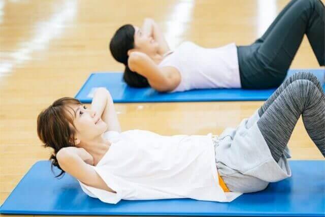 姿勢を良くするには筋トレが有効!おすすめ筋トレ3選